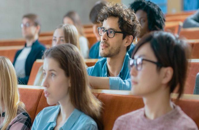 ¿Por qué vale la pena estudiar un posgrado?